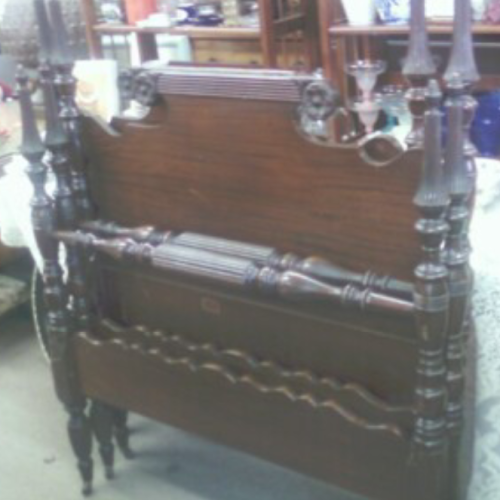 Pair of Federal Mahogany twin beds