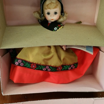 Madame Alexander doll vintage new in box Sweden 592